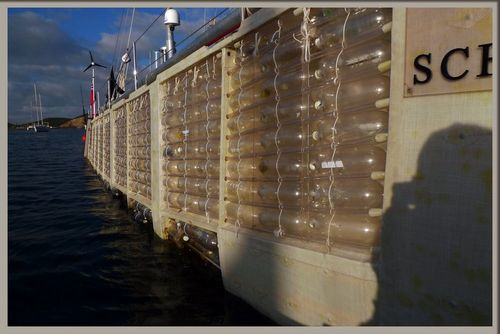 Plasiki bouteilles-à-la-mer